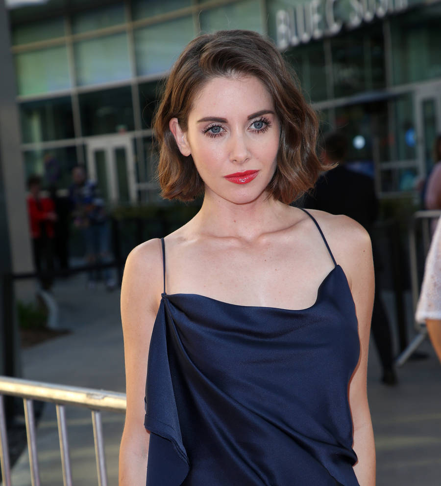 Alison Brie too stoned for favorite comedy