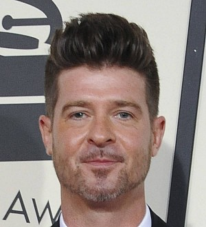 Robin Thicke loses lawyer in Paula Patton custody case